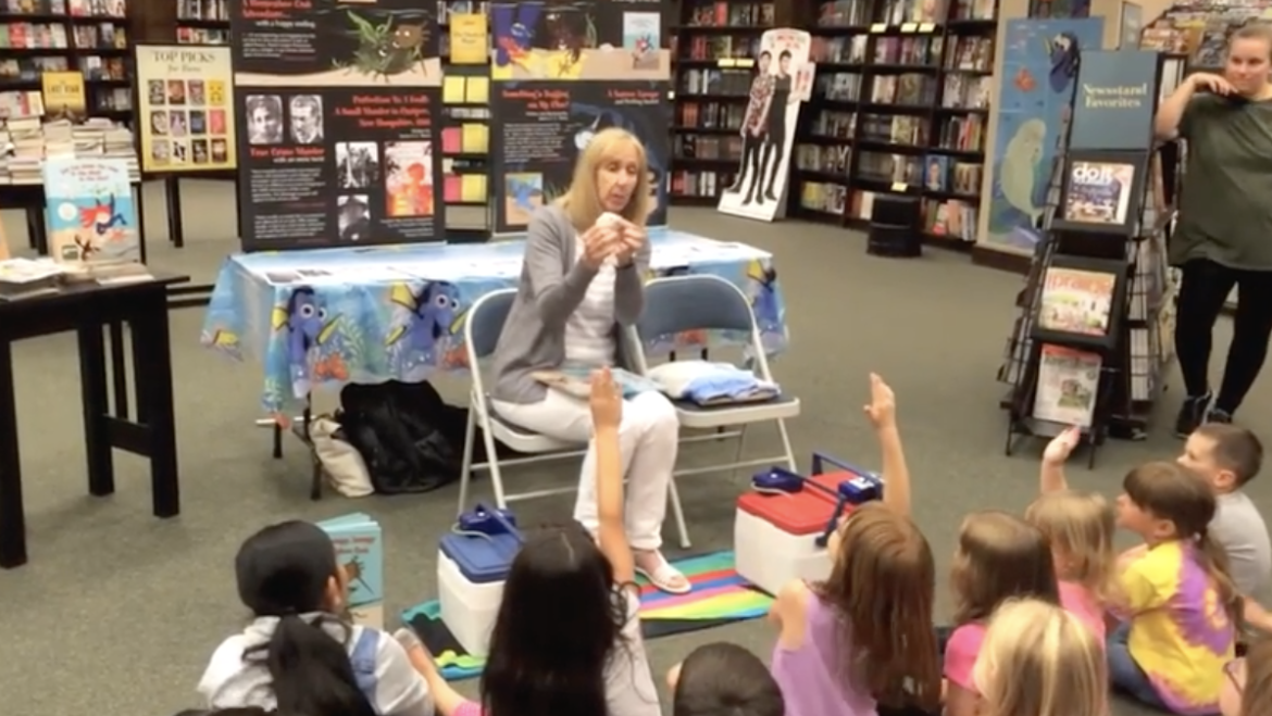 "Introducing ""Did You Make the Hole in the Shell in the Sea?"" at Barnes & Noble's ""Finding Dory"" Storytime"